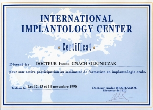 INTERNATIONAL IMPLANTOLOGY CENTER. Certificat